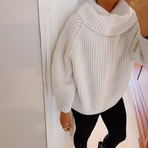 GAP turtle neck and cowl sweater neck  off white